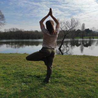 Un #pantalon et des chaussures souples pour respecter les #mouvements du #corps et des pieds : 👣 chaussures #leguano : on s'y sent comme pieds nus. Parfait pour l'ancrage et l'équilibre. 👖pantalon en jersey de chanvre #hempage. Souple, doux, rien qui ne sert à la taille. Parfait pour vivre yoga.  #chanvre #modeethique #vetementsenchanvre #modechanvre #vivreyoga #yogalife #yogilife #pieds #piedsnus #chaussuressouples #piedslibres #corpsenliberte #chaussures