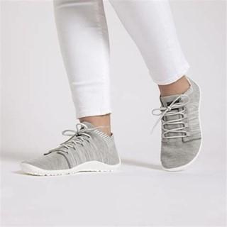 De la marque #leguano nous vous proposons maintenant les #beat, un modèle super sympa, clair pour l'été, et qui chausse tous les pieds, même ceux au coup de pied le plus fort !⠀ ⠀ #chaussuressouples #chaussuresminimalistes #chaussuresconfort #instashoes #chaussures #chaussuresphysiologiques #minimalistes #barefoot #chaussuresbarefoot
